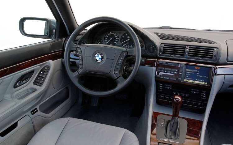 bmw-750il-v12-e38-interior-750x469