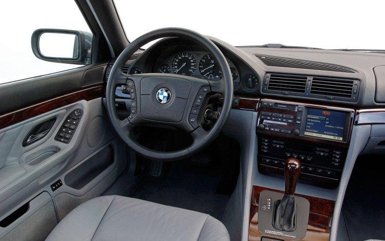 bmw-750il-v12-e38-interior-750x469