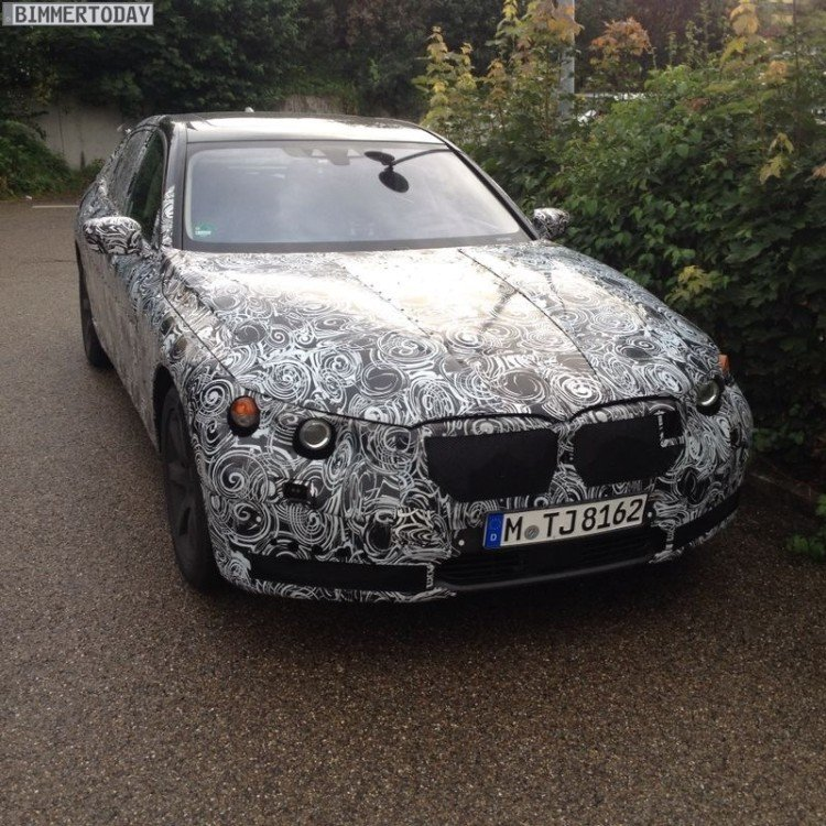 BMW-7er-2015-Erlkoenig-Spyshots-G11-G12-Luxus-Limousine-02-750x750